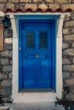 一个美丽如画的门入口的风景射击到一个石房子p里 库存图片