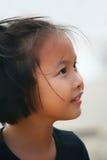 一个美丽的亚裔女孩的室外画象 免版税库存图片