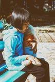 一个美丽的亚裔女孩的室外画象 库存图片