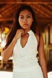 一个美丽的亚裔女孩的性感的画象暑假 库存图片