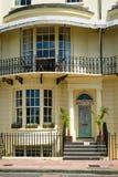 一个美丽的房子的前面 免版税图库摄影