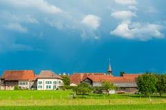一个美丽的老村庄的风景 免版税库存图片
