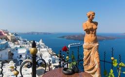 一个美之女神的雕象在圣托里尼,希腊 库存图片
