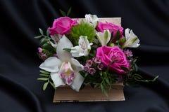 一个美好的花卉春天安排 免版税库存照片
