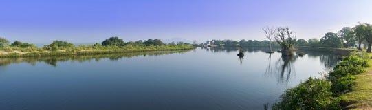 一个美好的风景的全景在Mudumalai国家公园,  库存图片