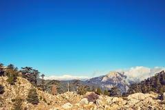 一个美好的风景高在与云彩的山在a 图库摄影