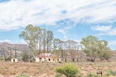 一个老农厂房子的废墟 图库摄影