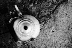 一个老厨房水壶 库存照片