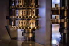 一个老和葡萄酒机器的齿轮 免版税库存图片