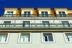 一个老大厦的详细资料在里斯本,葡萄牙 免版税库存照片