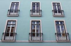 一个老大厦的详细资料在里斯本 免版税库存图片