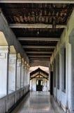 一个老大厦的走廊 位于三宝垄,中爪哇省-印度尼西亚 图库摄影