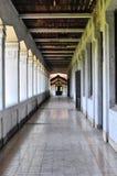 一个老大厦的走廊 位于三宝垄,中爪哇省-印度尼西亚 免版税库存图片