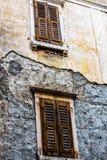 一个老大厦的门面,皮兰,斯洛文尼亚 免版税库存图片