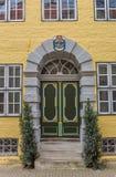 一个老房子的五颜六色的入口在Luneburg 库存照片