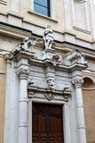 一个老房子的片段在维罗纳 意大利06 05,2017 免版税库存照片