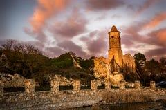 一个老教会的废墟 免版税库存图片