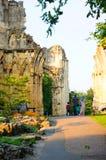 一个老教会的废墟 免版税库存照片
