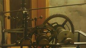 一个老时钟的机制 影视素材