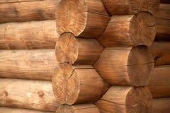一个老木房子的角落 免版税库存照片
