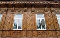 一个老木房子的门面在恢复以后的 库存图片