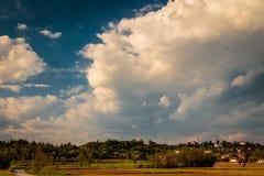 一个老村庄在意大利乡下 库存图片
