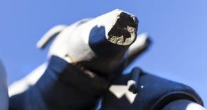 一个老残破的被放弃的矿钻子引擎的细节在Oroszlan 免版税库存照片
