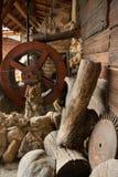 一个老水轮被做成一个烹调烤箱 免版税库存照片