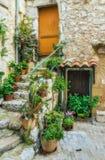 一个老法国房子的入口 库存照片