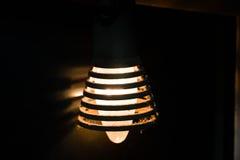 一个老电灯泡 库存图片