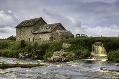 一个老石磨房在Thurso,苏格兰 免版税库存照片