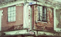 一个老被放弃的戏院 库存图片