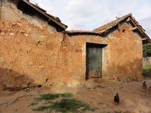 一个老被放弃的房子,被破坏 免版税库存照片