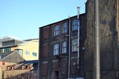 一个老被放弃的房子 免版税库存图片