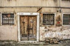 一个老门在威尼斯 库存照片