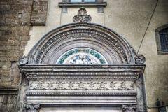 一个老门的细节在hdr的在佛罗伦萨 库存照片