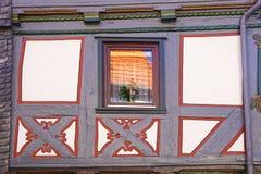 一个老fahverk房子的片段。 免版税库存图片