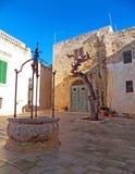 一个胡同在姆迪纳,马耳他耶路撒冷旧城  库存图片