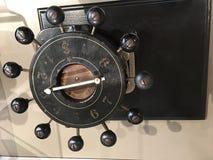 一个自动化的银行拳打机器 免版税库存图片
