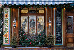 一个舒适咖啡馆的冬天窗口 图库摄影