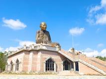 一个著名修士雕象在Rayong 免版税图库摄影
