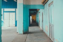 一个蓝色走廊 免版税库存图片