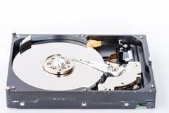 一个被打开的计算机磁盘驱动器的特写镜头视图 免版税库存图片