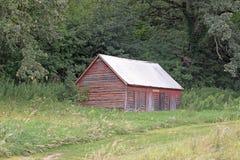 一个被放弃的农厂棚子 图库摄影