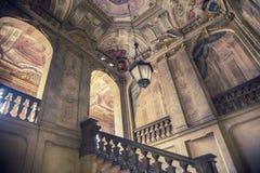 一个被放弃的大厦的门厅 免版税库存图片