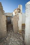 一个被放弃的大厦的门道入口 库存图片