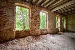 一个被放弃的宫殿的内部 图库摄影