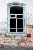 一个被放弃的房子的门面 免版税库存照片
