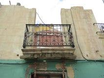 一个被破坏的房子的阳台在阿利坎特西班牙 库存图片