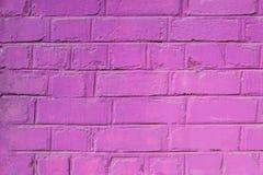 一个被绘的砖墙的纹理在桃红色颜色的 能使用作为背景在室内设计 库存照片